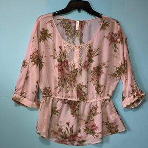 Pink floral blouse with elastic waistband and lace